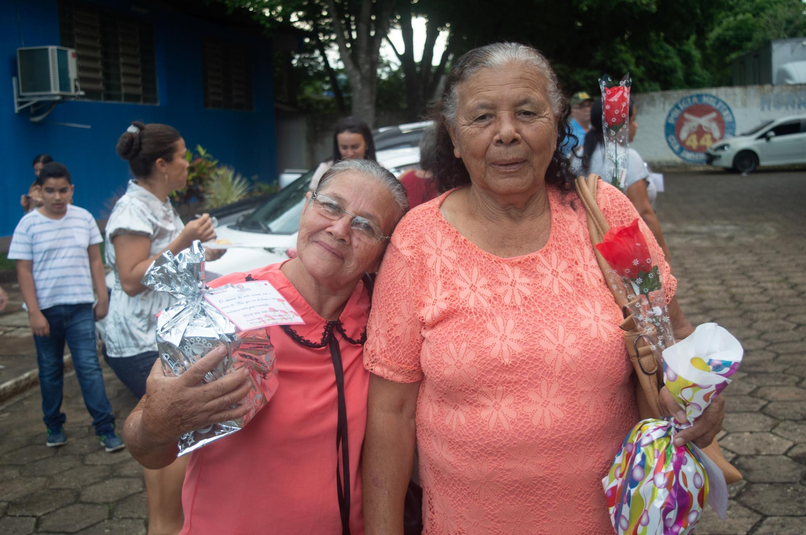 44ªCIPM e Secretaria de Educação de Medeiros Neto realizam dia das Mães da Guarda Mirim