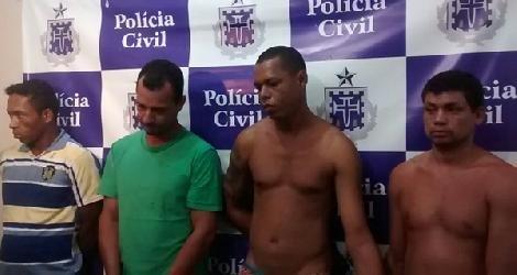 [ Integrantes de quadrilha de assalto a banco são presos pela polícia. ]