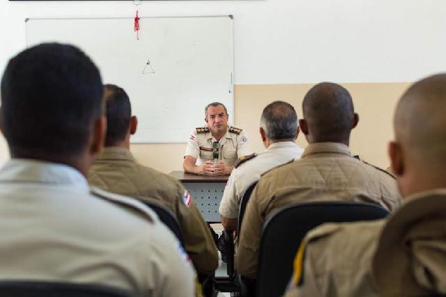 [Medeiros Neto: Comandante da 44ª CIPM realiza reunião de avaliação nas ações da PM ]